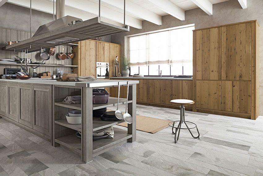 Cucina maestrale in legno vecchio e abete ardesia di - Ardesia in cucina ...