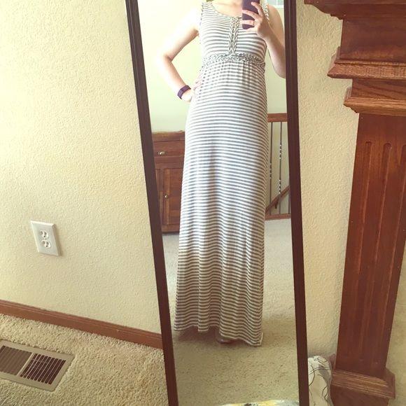 de34c18e96f Comfy and Casual Max Studio Striped Maxi Dress - M