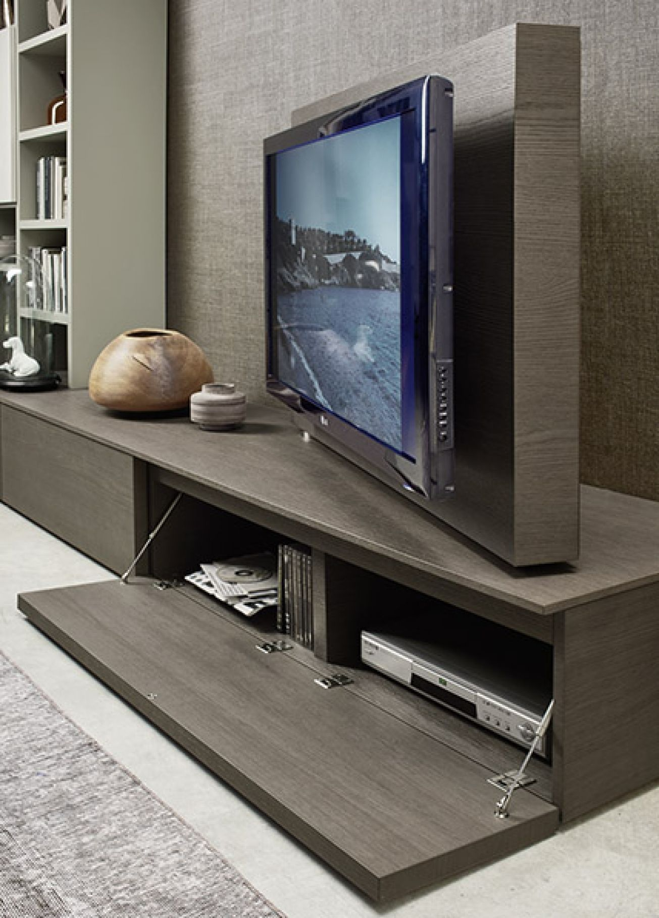 This swivel tv feature with hidden media storage on the kronos s