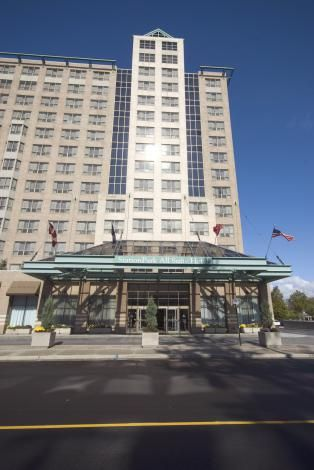 Hotels In London With A Pool Station Park Hotel London Ontario