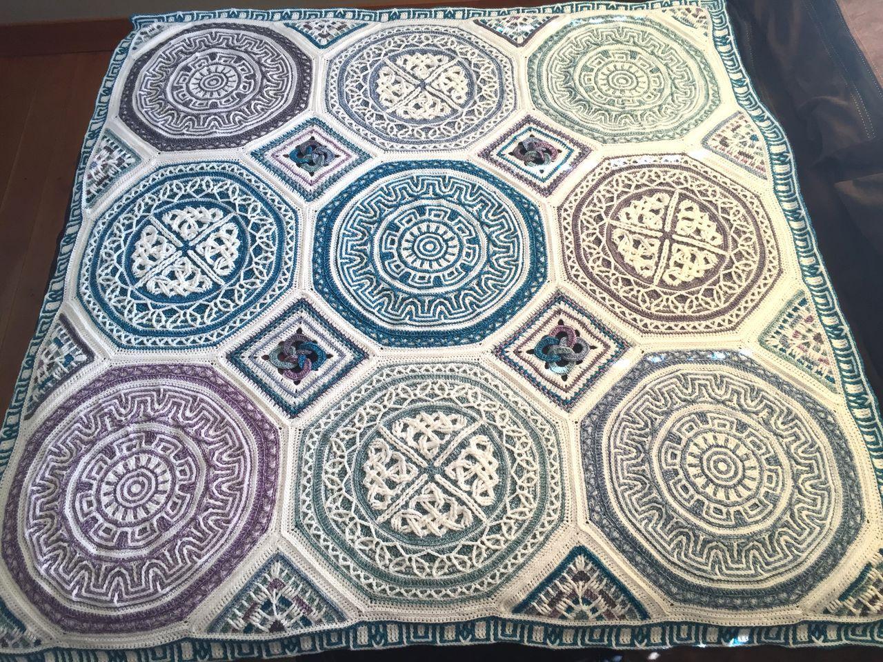 Labyrinth celtic mandala blanket overlay crochet for Pattern overlay