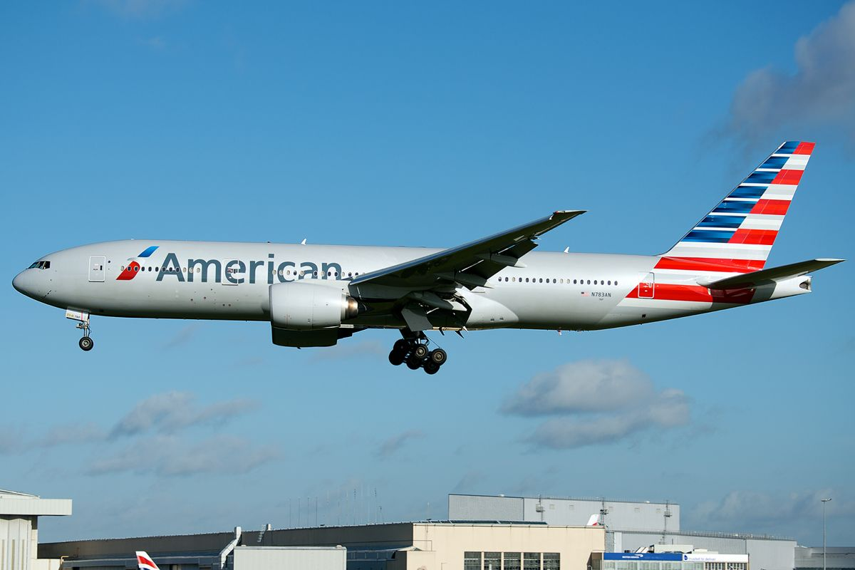 American Airlines Boeing 777 200er N783an In The New Livery American Airlines Boeing 777 Boeing