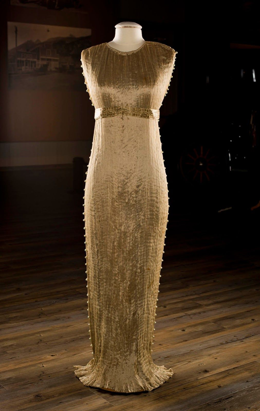 d9d8796c072f Fountainhead Antique Auto Museum: Fortuny's Delphos Gown: The Snowflake of  Fashion