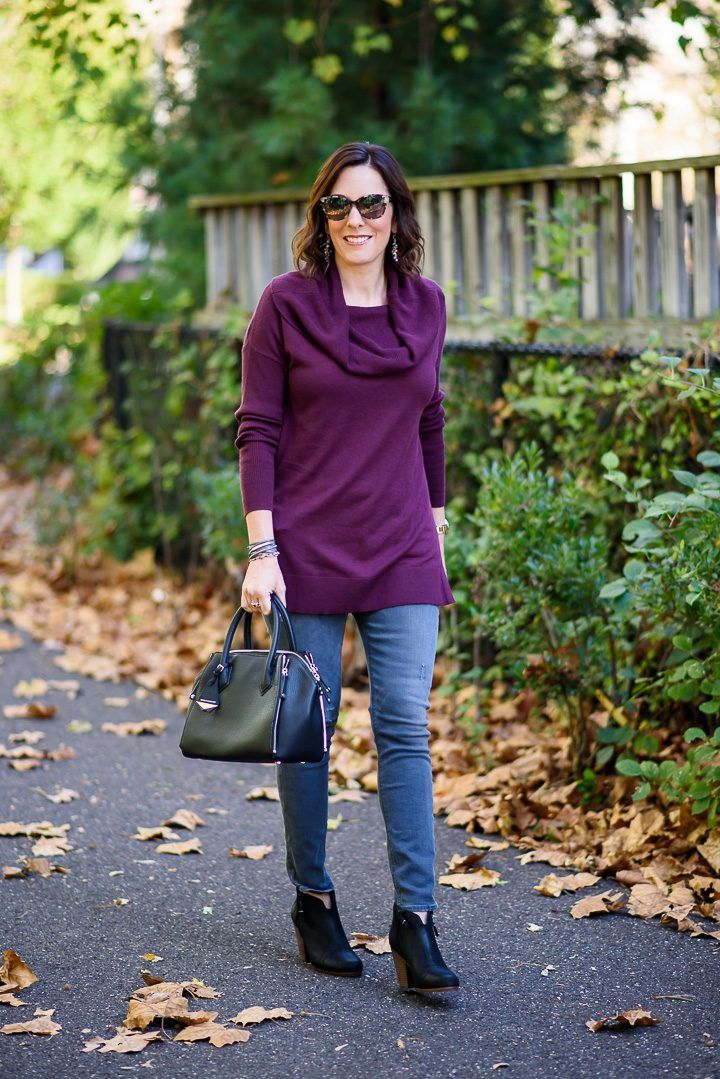 Burgundy Tunic + Grey Jeans Outfit #shoewedges