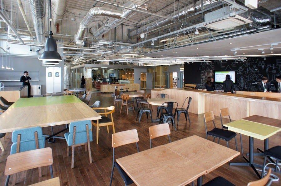 japan-architects.com: 成瀬猪熊建築設計によるイノベーションセンター「KOIL」