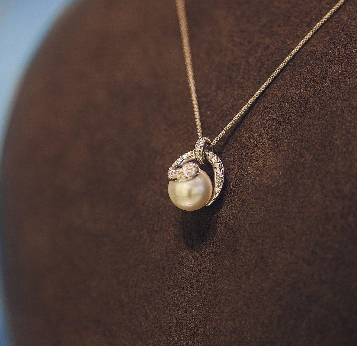 Kultasepänliike Suokko - Sormukset, korut, kellot. #rakastampere #kultaseppä #tampere #suokko #koru #sormus #kello