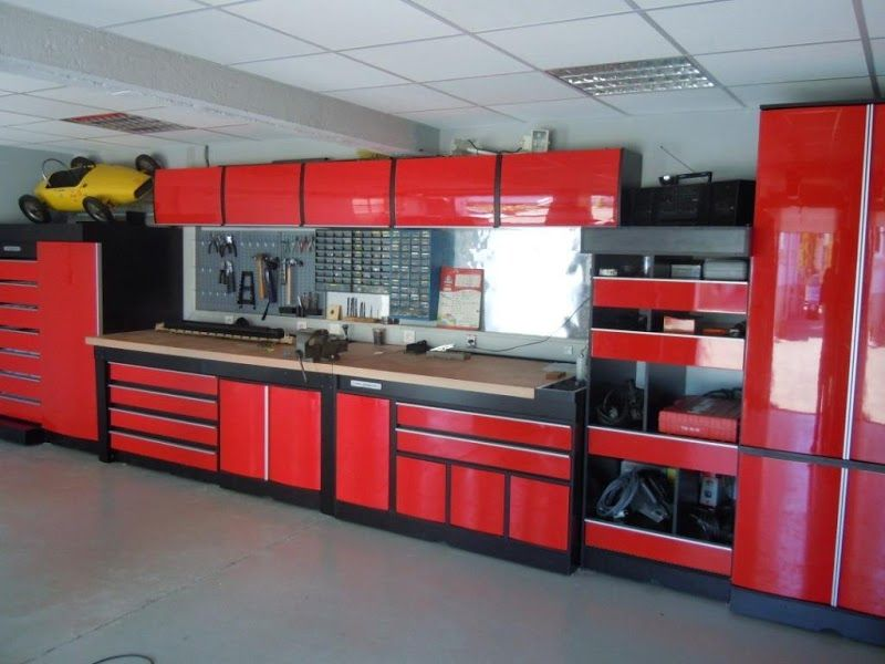 garage rouge id es ateliers pinterest garage. Black Bedroom Furniture Sets. Home Design Ideas