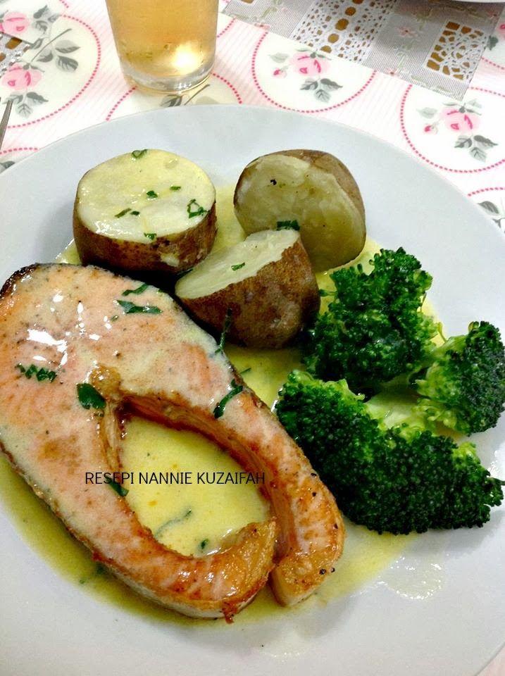 Alhamdulillah Sedapnya Ikan Salmon Dengan Sos Lemon Mentega Ni Bahan Bahan 4 Keping Ikan Salmon 2 Brokoli 4 Biji Ubi Lemon Salmon Grilled Salmon Salmon