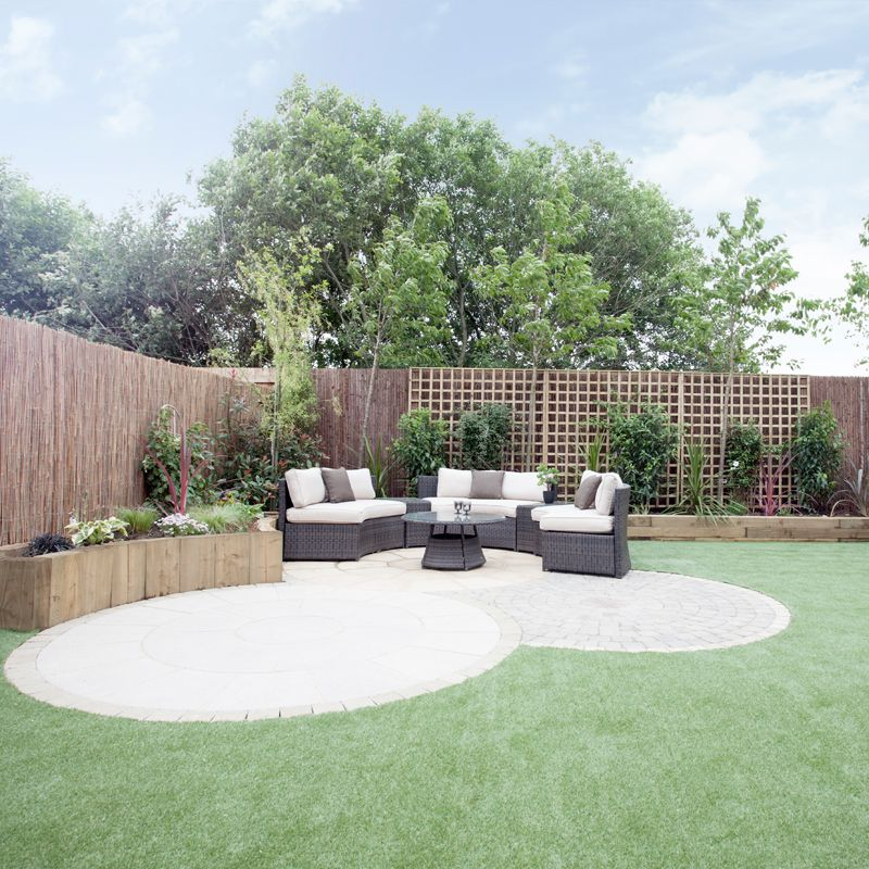 Strata Homes show how creating curves in your garden can soften the look without the need to spend a fortune on hundreds of plants. It's a great way to quickly make your mark on a new build garden. -   24 garden wall how to build