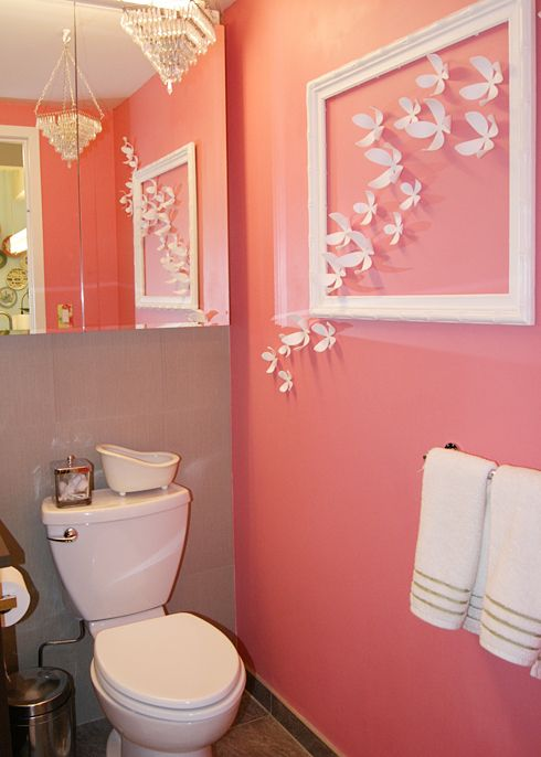Merveilleux Coral Makes This Bathroom Color Really Pop. I Love The Paint Theme. Great  Idea For A Girls Bathroom It A Little Girls Bedroom.