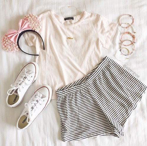 Image via We Heart It #bows #converse #girly #outfit # ...