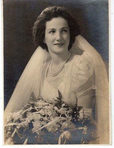 Original Photo Beautiful Bride, Young Woman, Studio Portrait, Vintage