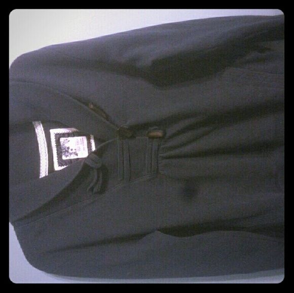 Navy blue sweater Very good condition. Old Navy Sweaters Crew & Scoop Necks