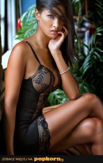 Hot Sexy Latina Milf