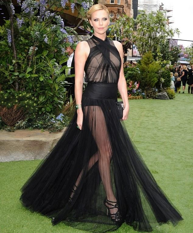Charlize Theron in Christian Dior Haute Couture at the London premiere of  Snow White and the Huntmans cf7e4b7c8b2