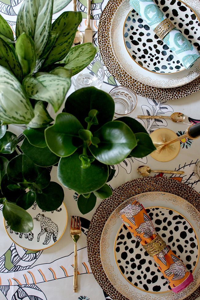 Colourful table setting with plants and animal prints & Eclectic Boho Glam Table Setting with Halsted Design | Tablescapes ...