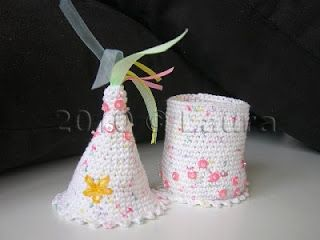 Laura fa: cute container but no pattern provided