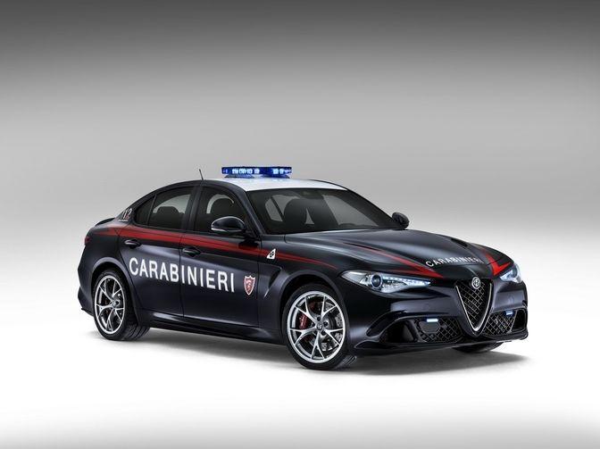 Italiaanse Carabinieri rijdt al in Alfa Romeo Giulia Quadrifoglio