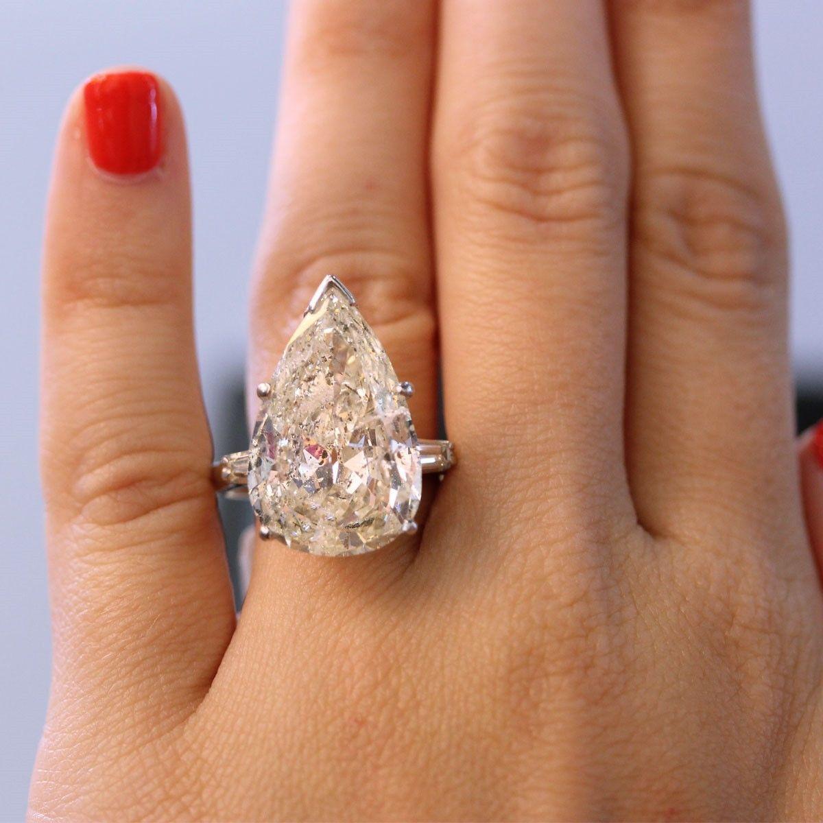 самый большой бриллиант в кольце фото понравится семейным