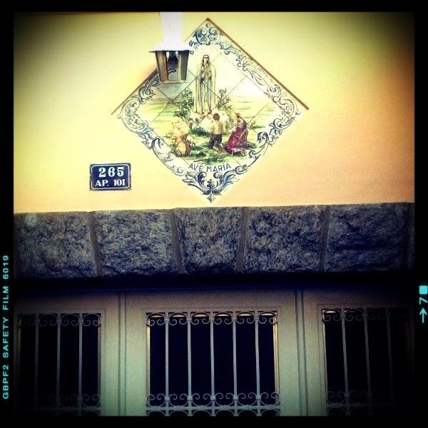 337 - Casa de Família com Benção #umafotopordia #picoftheday #brasil #brazil #n8 #snapseeds #idarkroomhd #molome