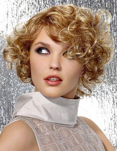 los mejores cortes de cabello y peinados para mujer primavera verano pelo rizado