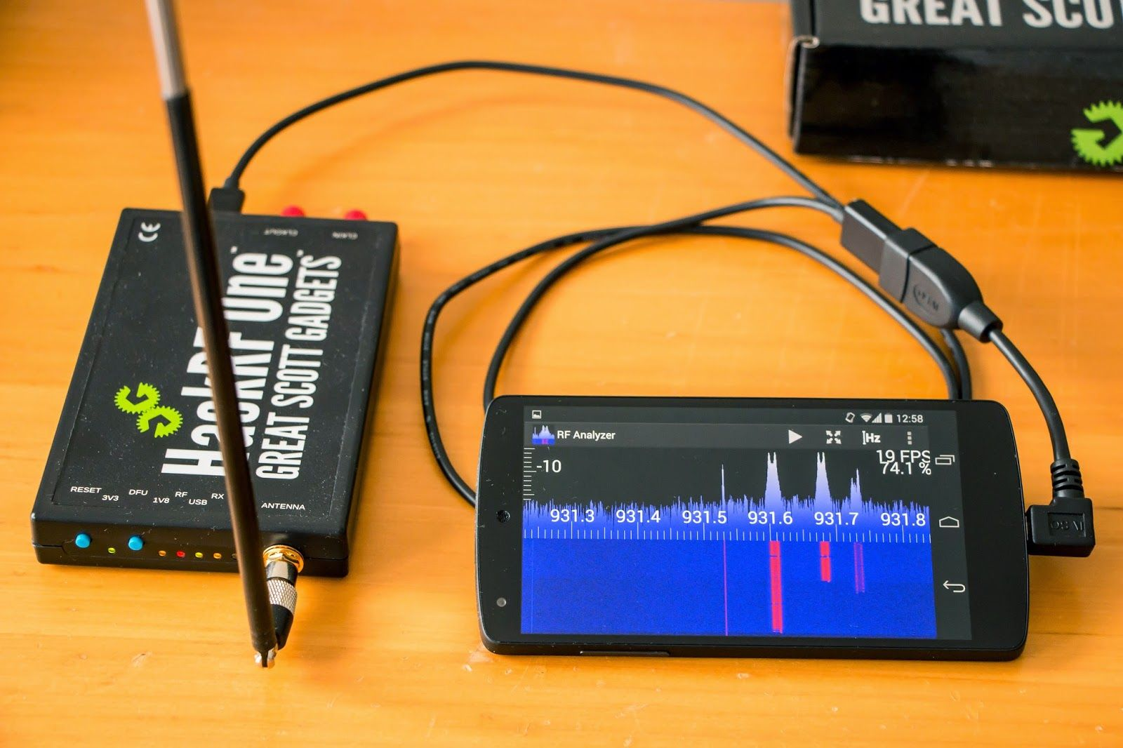 RF Analyzer Explore the frequency spectrum with the