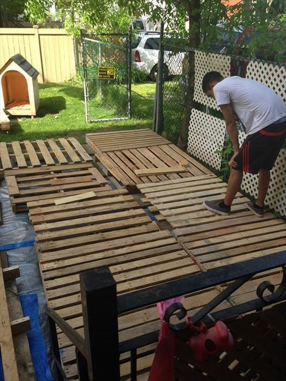 Diy pallet deck tutorial pallets decking and pallet projects solutioingenieria Image collections