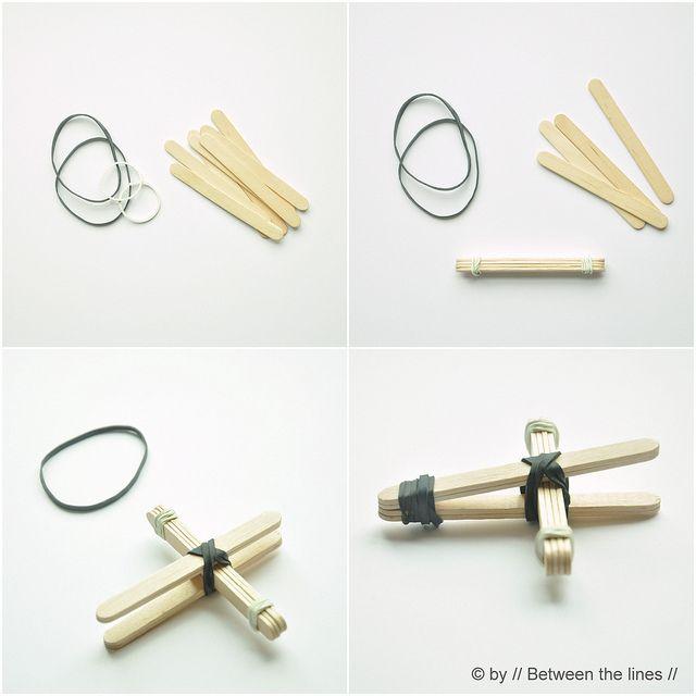 http://pm-betweenthelines.blogspot.com/2013/05/knitted-summer-bracelets-diy.html