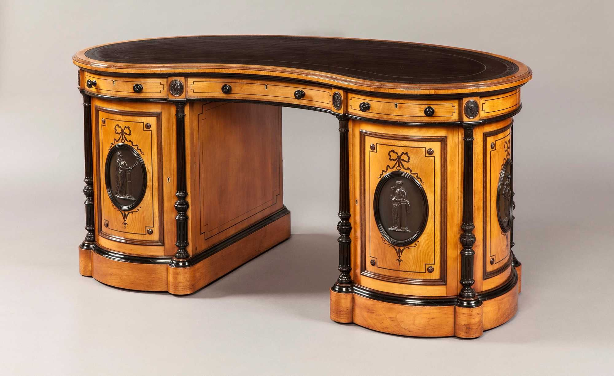 Muebles Italianos Clasicos Wright And Mansfield Kidney Shaped Antique Desk By Wright