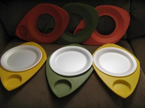 VINTAGE RETRO 60\'S~SET OF 6~ HEAVY PLASTIC PAPER PLATE & CUP HOLDERs ...