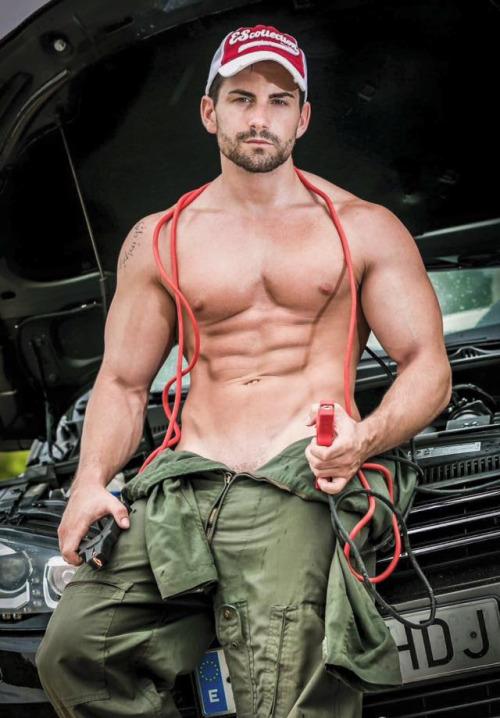 Adelgazar cintura hombres guapos
