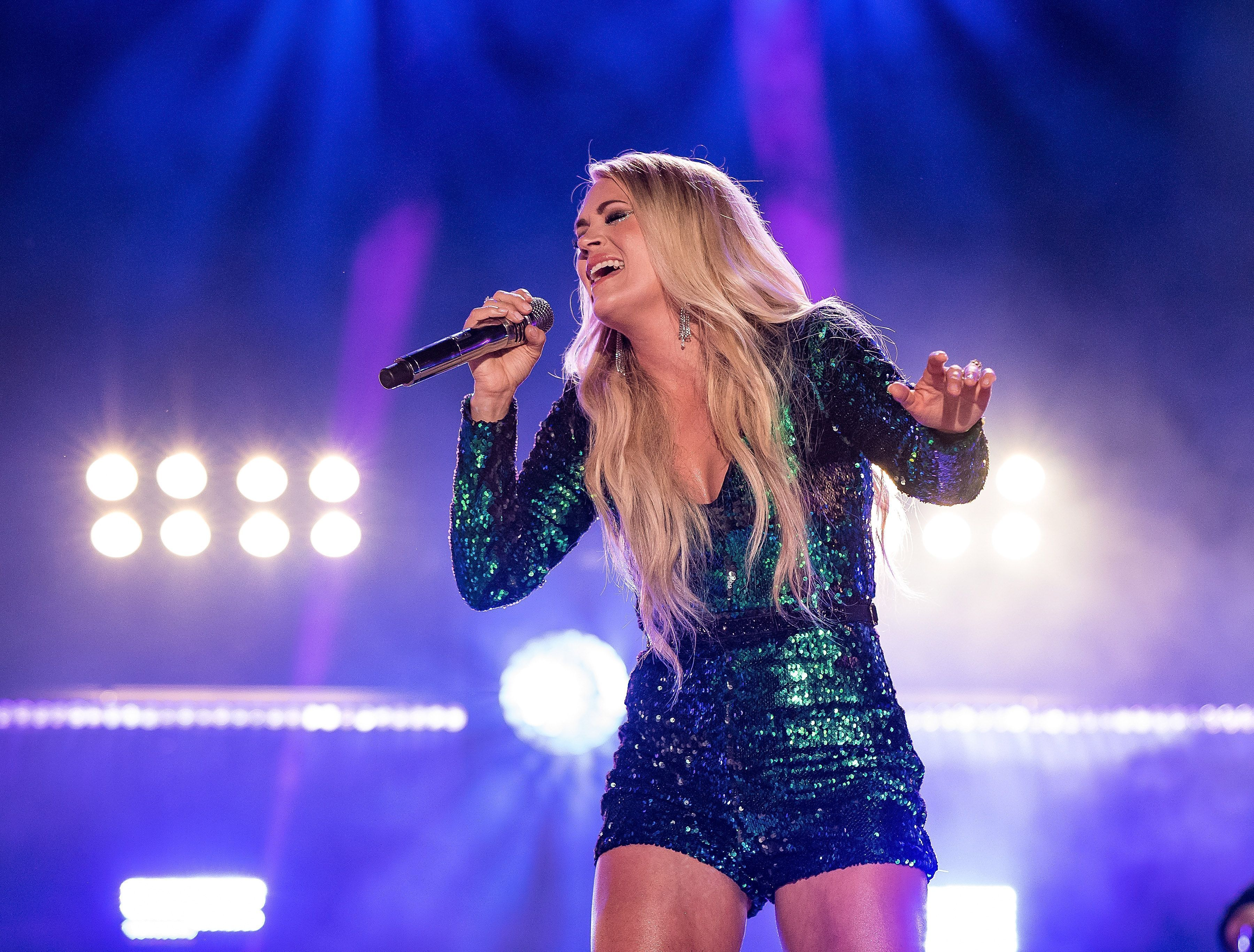 On the Charts Carrie Underwood Makes Country Music