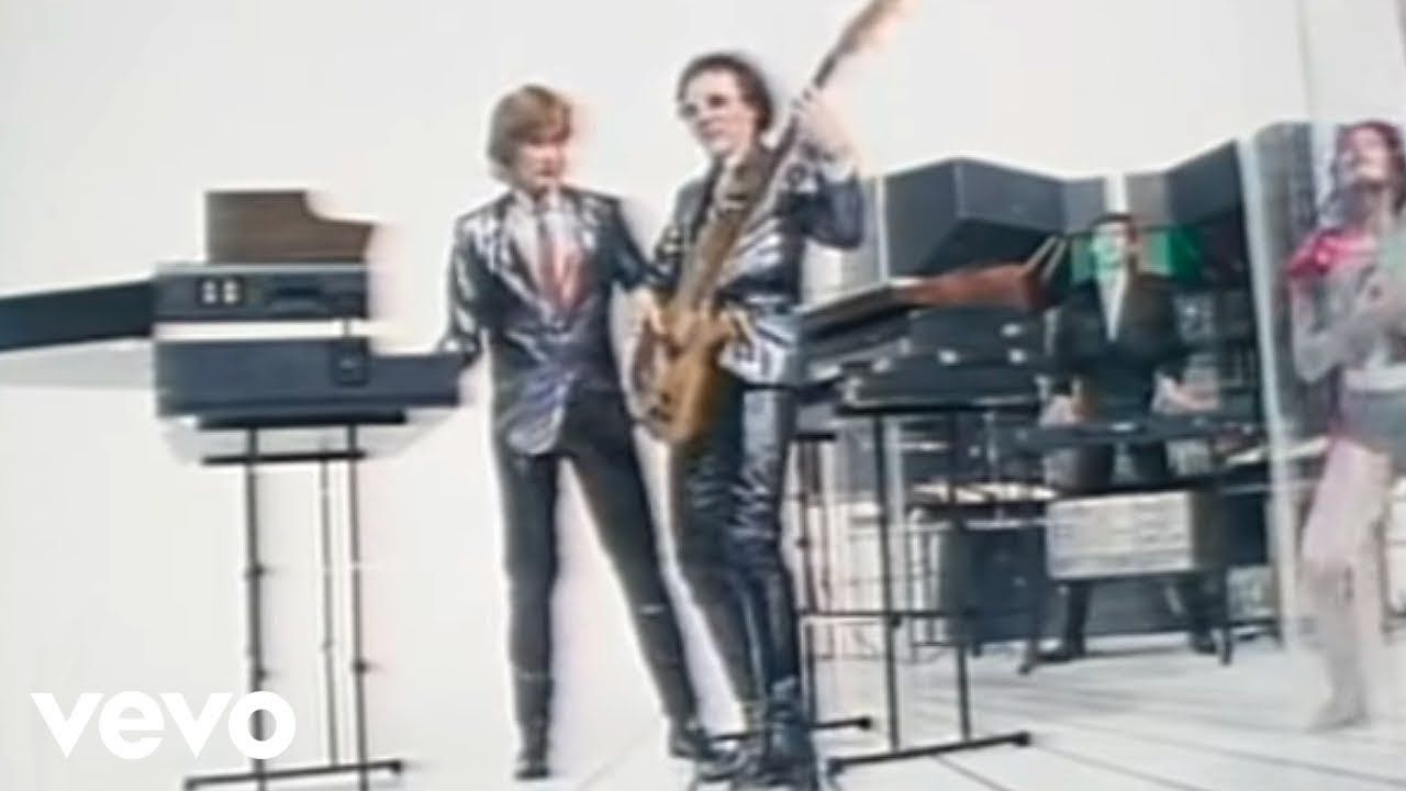 The Buggles Video Killed The Radio Star Number One 20 Oct 1979 1 Week Only No 1 A Studio Band Featuring Producer Tr Youtube Videos Music Music Videos Radio