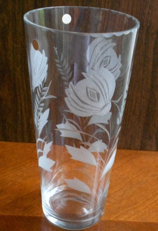 Crystal Clear Glass Vase Tall 11 Quot Romania Etched Flowers Scalloped Edge Floral Unknown For