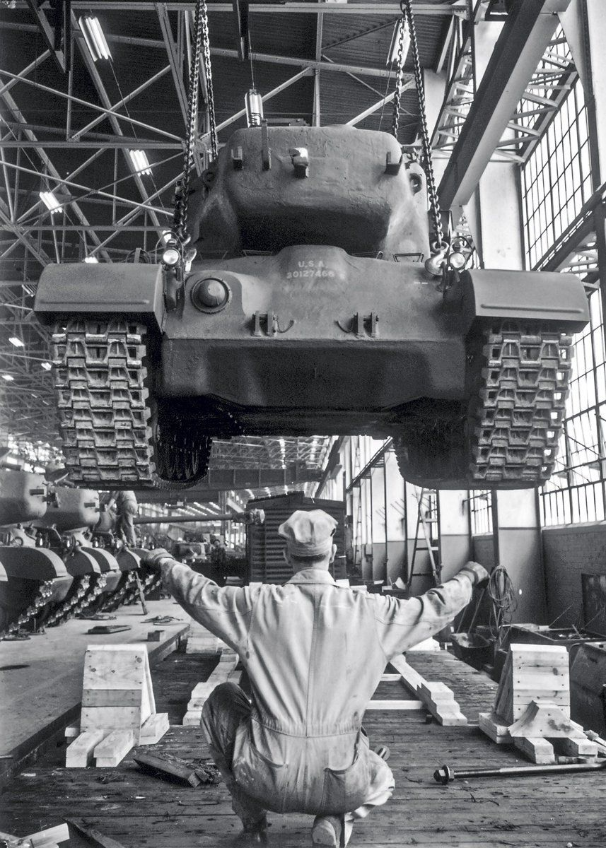The process of loading on the railway platform of a new