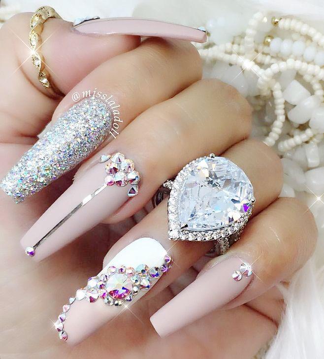 картинки с украшениями для ногтей можно