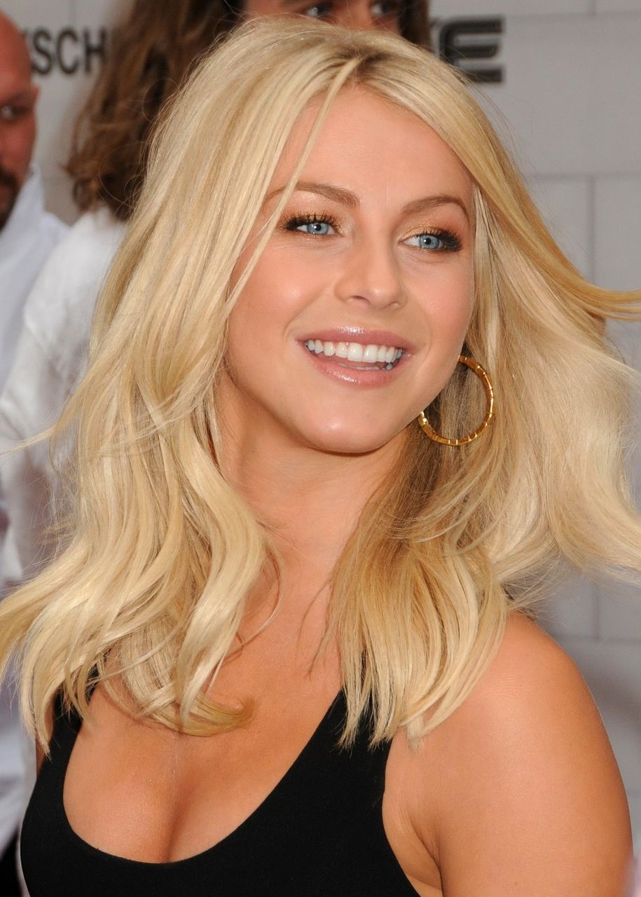 Julianne Hough In Safe Haven Favorite People In Movies