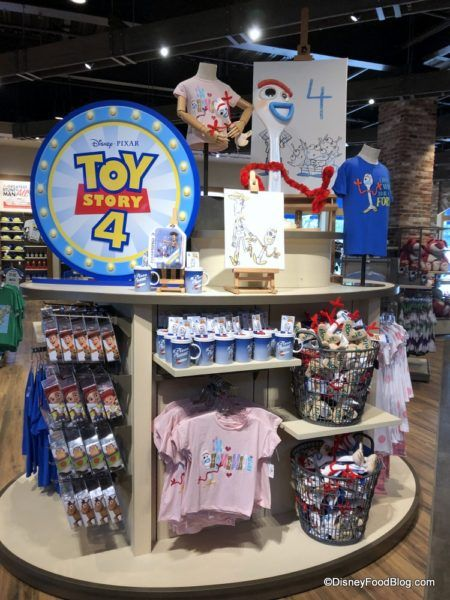 What's New in Disney Springs: New Eats, New Merchandise, and New Toy Story 4 Fun! #disneyfoodblog