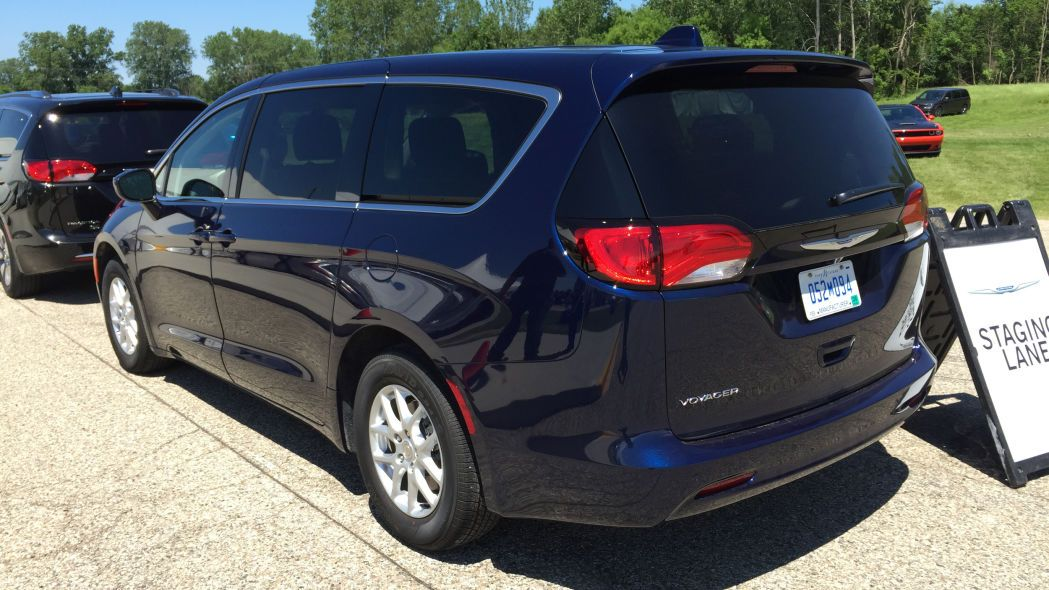 2020 Chrysler Voyager Debuts And It S A Rebadged Pacifica With