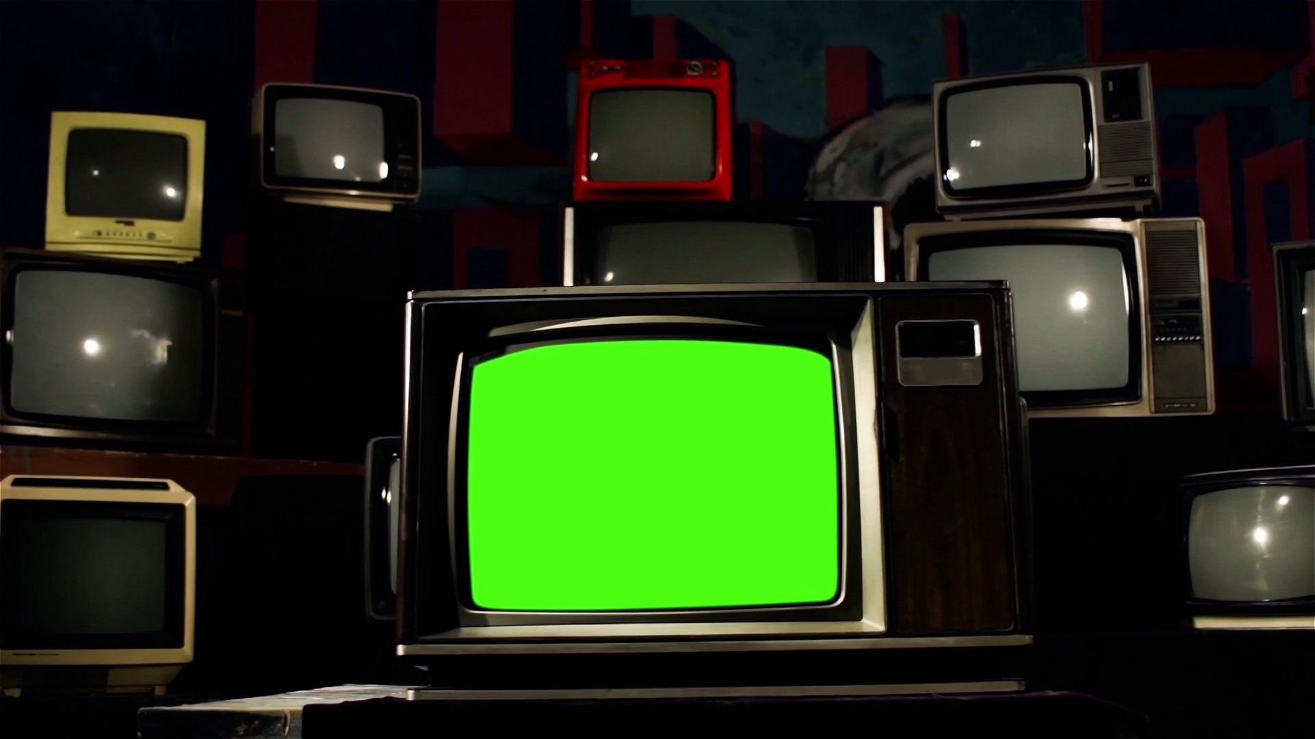 Old Tv With Green Screen In The Middle Of Many Tvs Aesthetics Of The 80s Stock Footage Ad Screen Middle Tv Green Greenscreen Old Tv Retro Tv