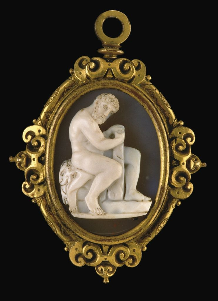 A carved agate cameo depicting Hercules, circa 16th century, set in gold.