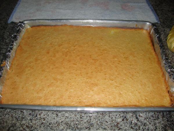 9ca7d239c4f Aprenda a preparar rocambole de arroz com recheio de frango (sem glúten)  com esta excelente e fácil receita. No TudoReceitas.com ensinamos você a  fazer um ...