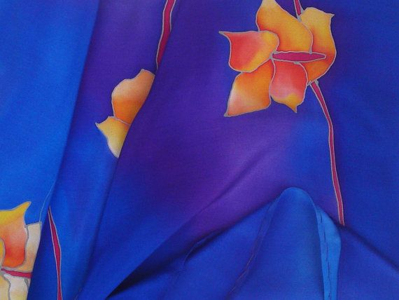 Blue silk neckerchief with irises. Hand painted by SilkAgathe.