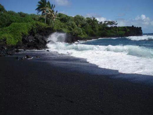 شاطئ الرمل الاسود هاواي Maui Black Sand Beach Black Sand Beach Maui Travel