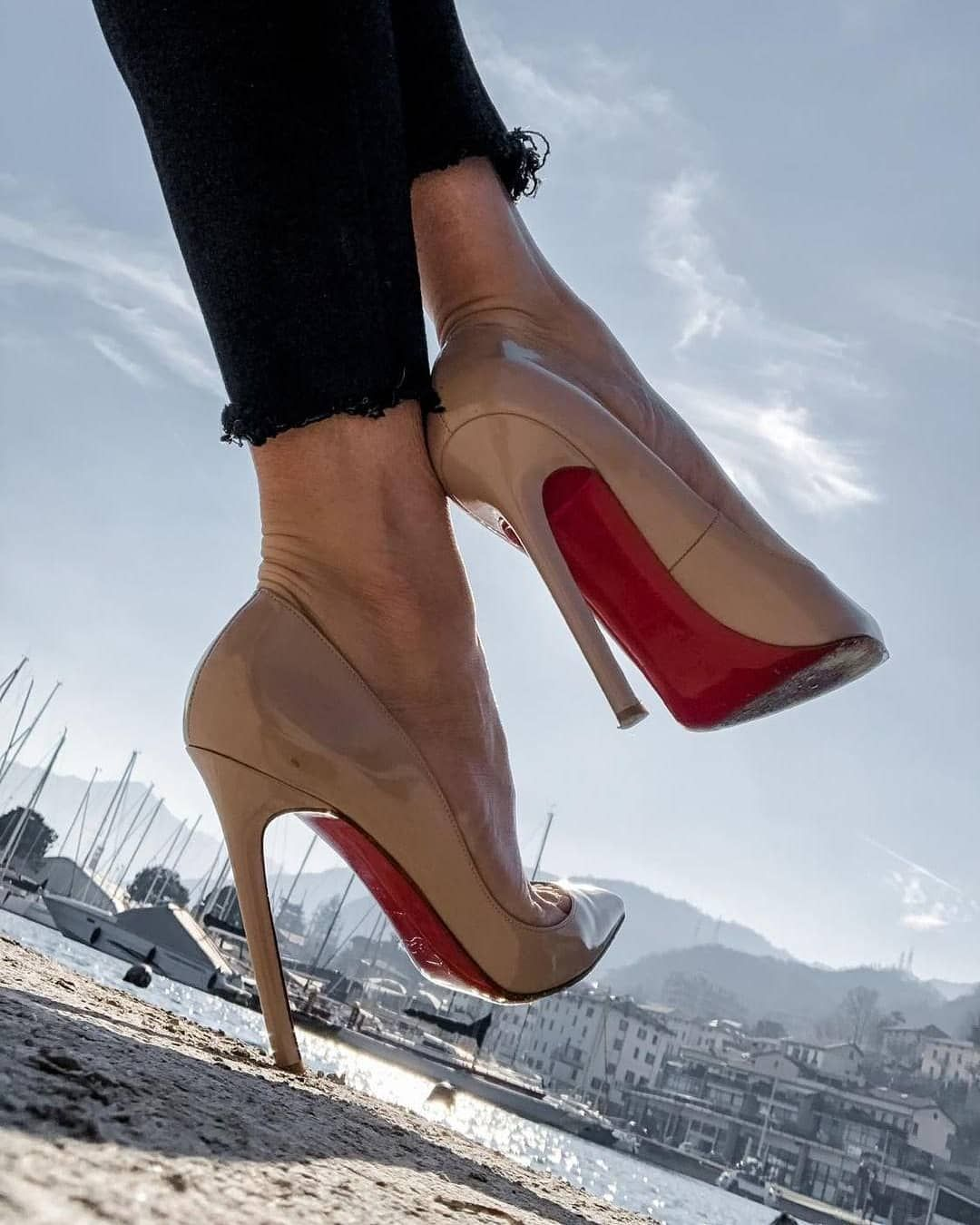 christian louboutin france email