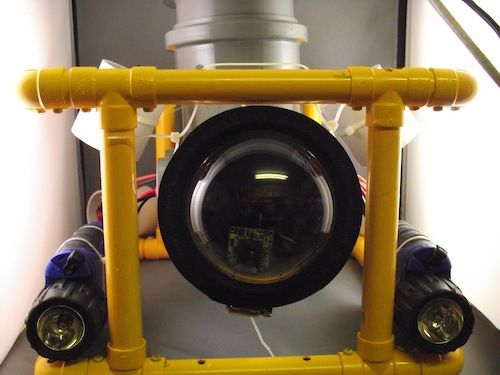Remote operated underwater vehicle (ROV) controlled by an Arduino