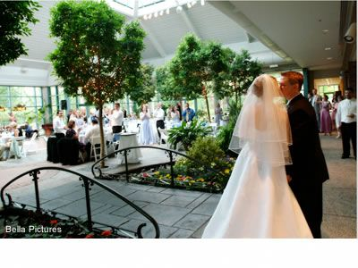 Outdoor Wedding Inside Gl Indoor Garden The Atrium At Meadowlark Botanical Gardens