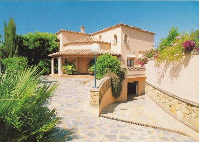 Villa for Sale in Elviria, Marbella   Click on picture for more details