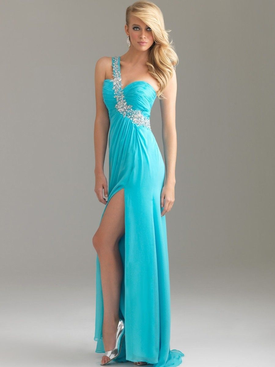 Learn How to Choose the Right Prom Dresses | Prom, Prom party ...