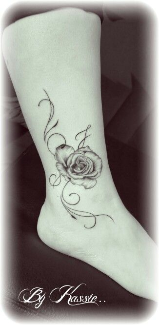 tatouage cheville rose avec arabesque tatus pinterest rosas y tatuajes. Black Bedroom Furniture Sets. Home Design Ideas